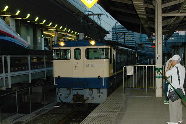 EF66-42 下関駅