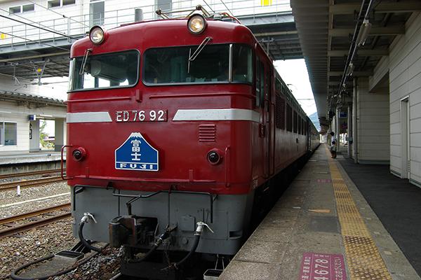 ED76-92 門司駅