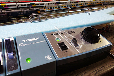 TOMIX 5507 TCS パワーユニット N-600 コントロールパネル貼付の自己粘着性保護フィルム剥離の儀