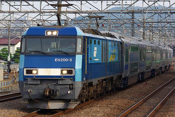 [★ EH200-5 が牽引する E531 系ダブルデッカーグリーン車 (サロ E531・E530) ]
