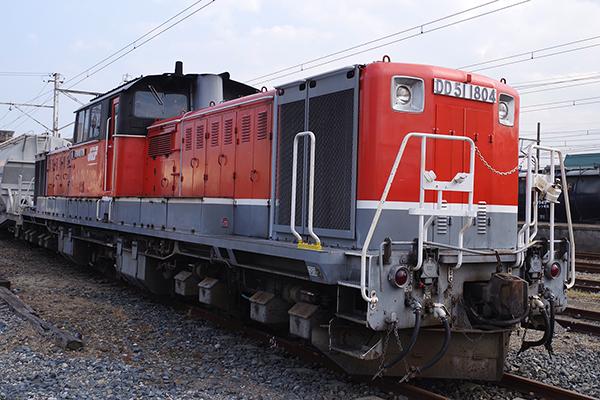 DD51-1804 富田駅