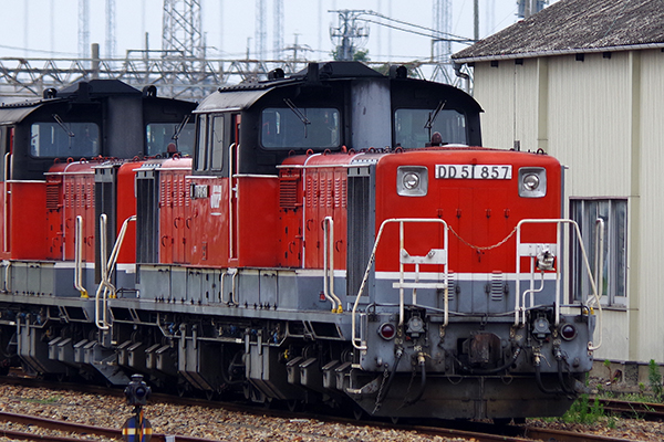 DD51-857