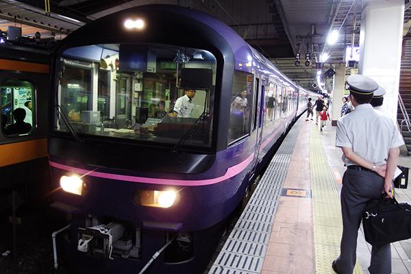 快速 お座敷みたけ清流号 立川駅 4 番線