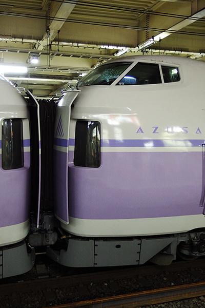 KATO 10-358 E351系スーパーあずさ 8両基本セット・KATO 10-359 E351系 スーパーあずさ 4両増結セット 貫通面間隔