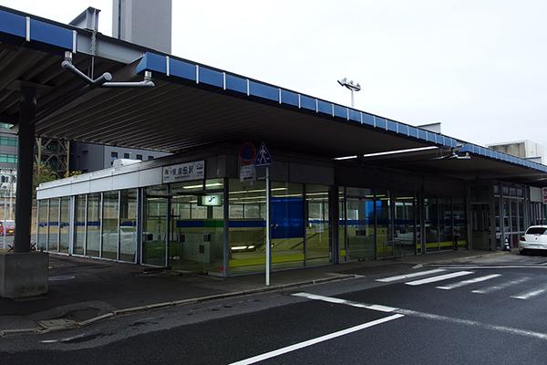 東成田駅入口 (ゲート内)