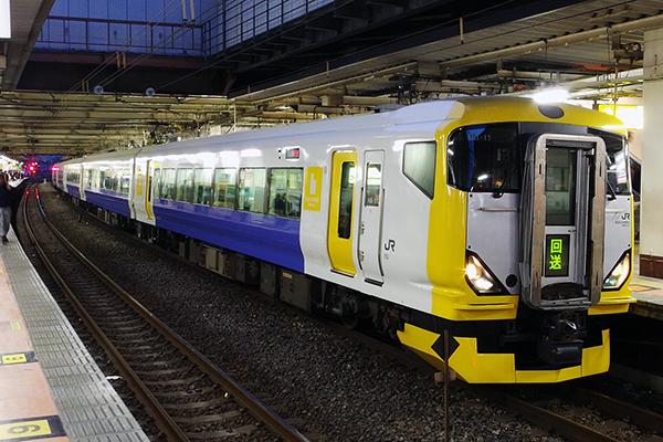 快速 青梅 奥多摩 新緑号 立川駅 4番線