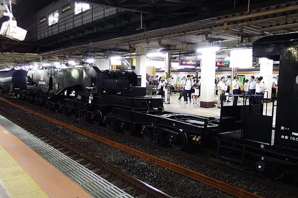 シキ801B2 立川駅