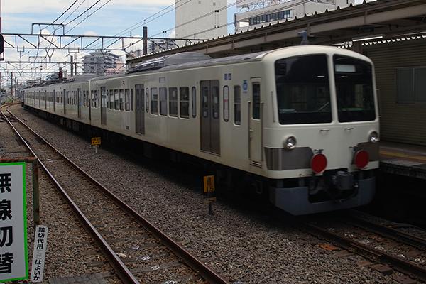 西武鉄道 新101系 甲種鉄道車両輸送 立川駅 3番線