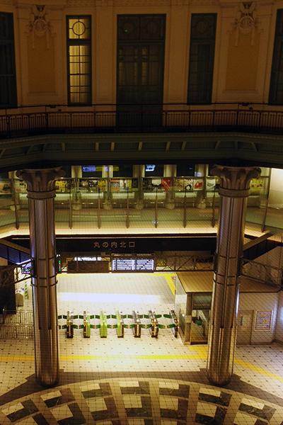 東京ステーションホテル ドームサイド スーペリアツインから見下ろす東京駅丸の内北口コンコース