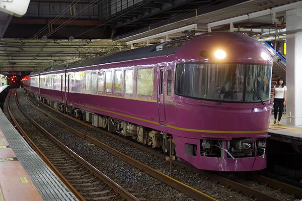 お座敷青梅 奥多摩号 485系「宴」代走 立川駅 4番線