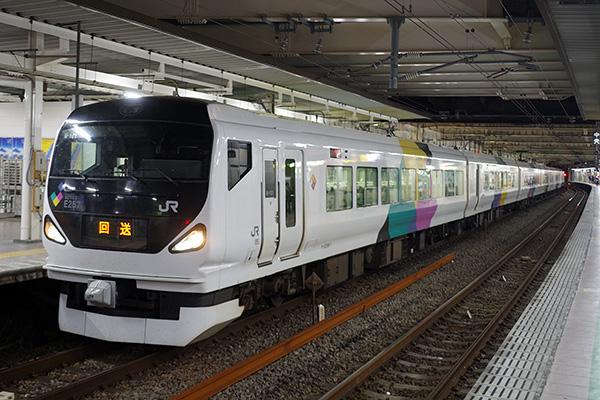 E257系 0番台 立川駅 4番線