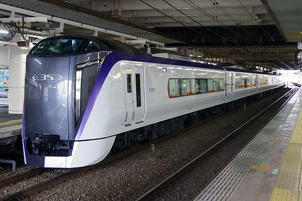E353系青梅線試運転 立川駅 2番線