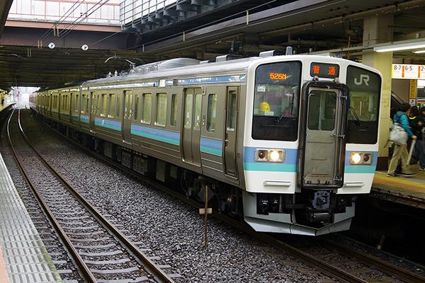 211系3000番台 長野色 立川駅 4番線