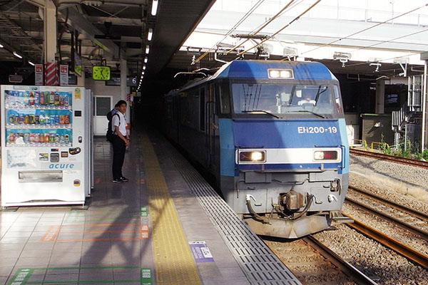 レ 立川駅 6番線